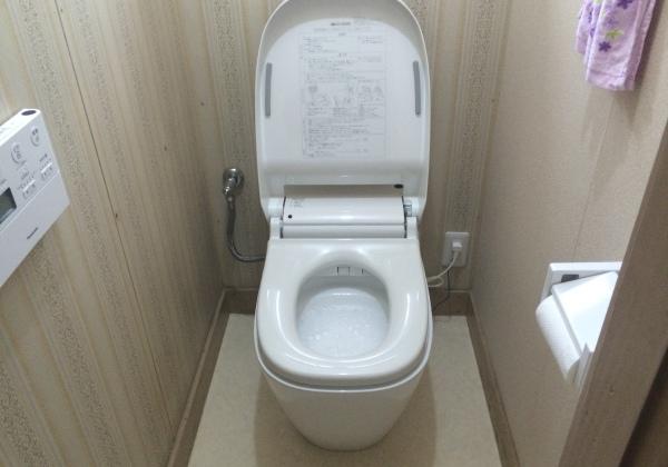 全自動トイレ「アラウーノ」